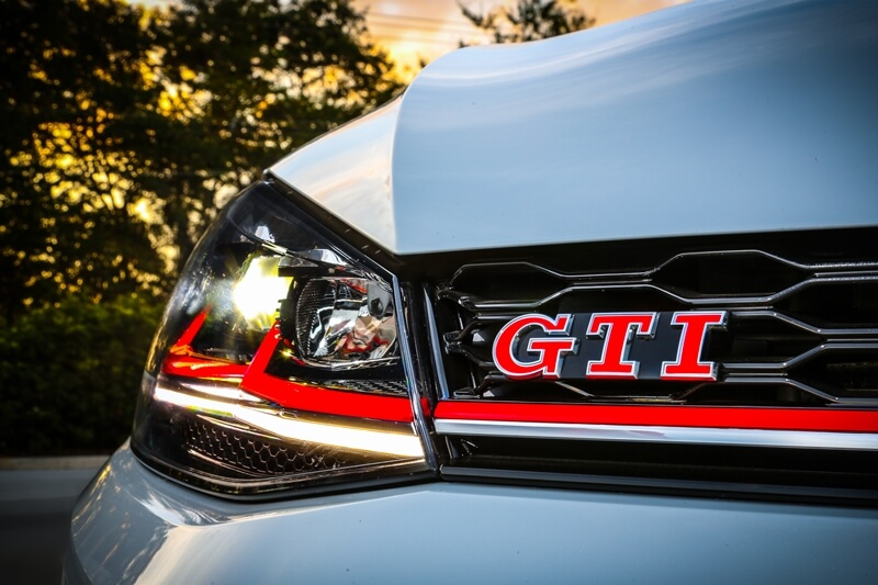 Volkswagen-Golf-GTI-11.jpg