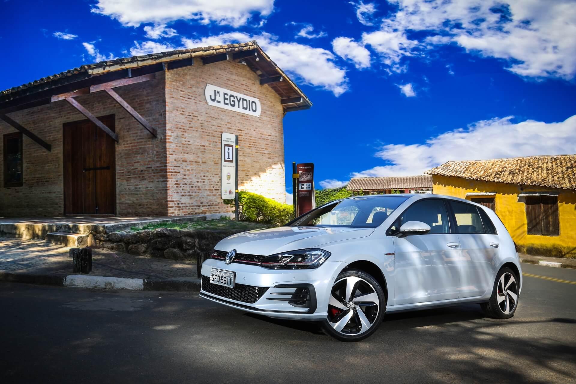 Volkswagen-Golf-GTI-6.jpg