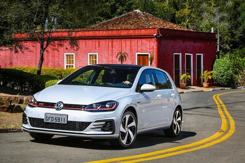 Volkswagen-Golf-GTI-7.jpg