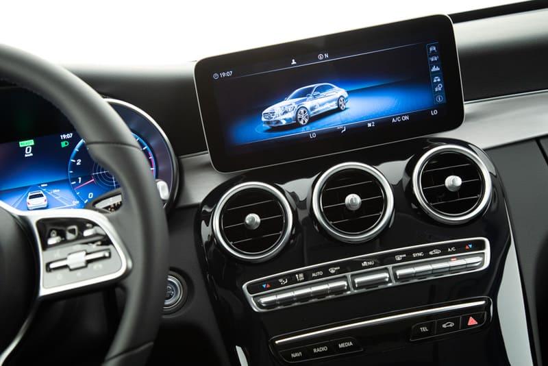 Mercedes lança novo Classe C200 com preço partindo de R 187 (3)