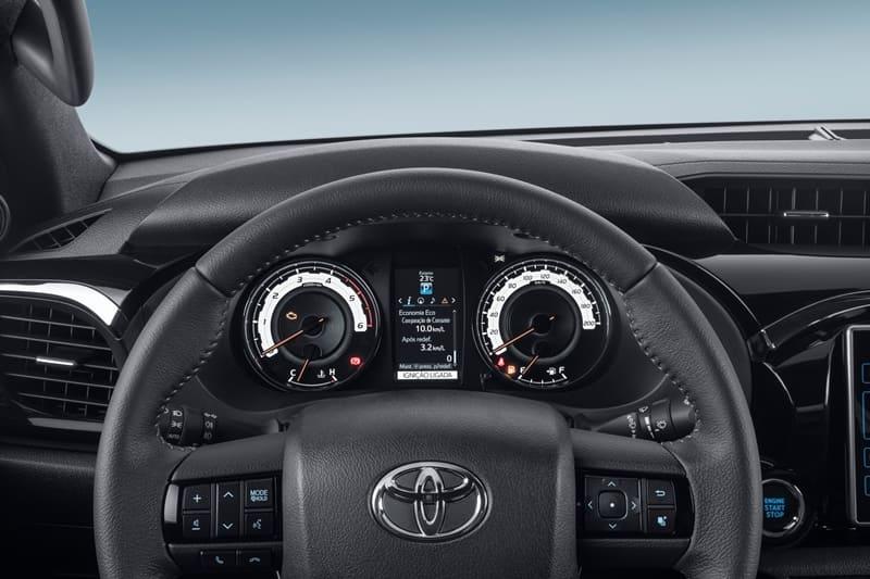 Toyota_Hilux_SRX_3